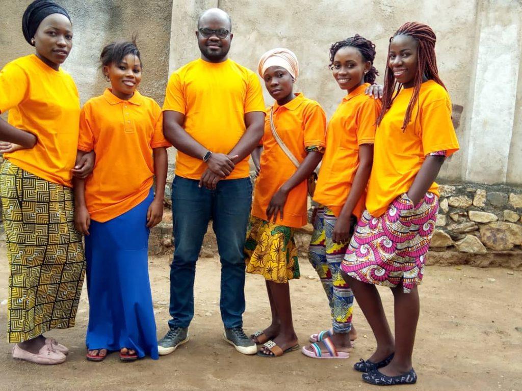 L'équipe IJEFA en orange.